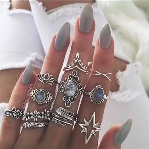 Jewelry - NEW 🌷IVY 10 Rings/Set
